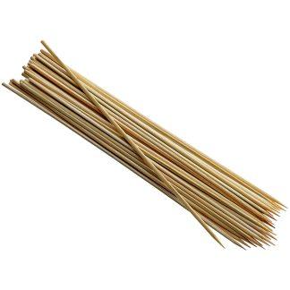 Palitos bambú para pinchos y brochetas de fruta o dulces de repostería, cocina y prepara con IRIS