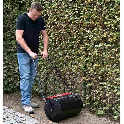 Rodet d'aplanat per aplanar el terreny o el jardí i per preparar-lo pel cultiu de gespa i altres plantes